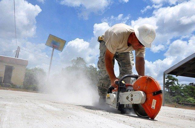 construction-646918_640.jpg